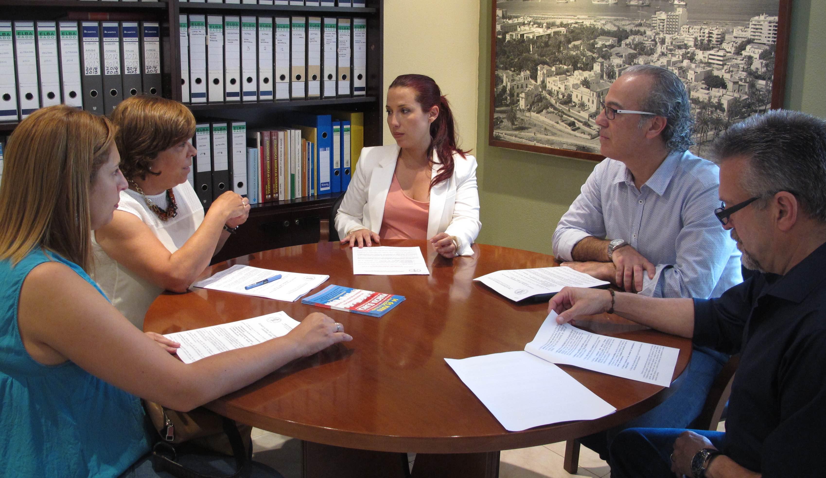 Patricia Hernández se reúne con el Sindicato Médico